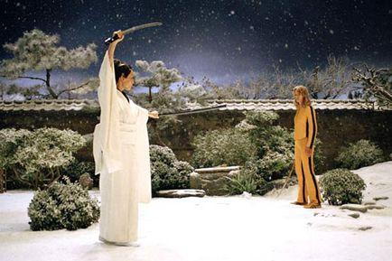 Fotograma de la película Kill Bil (volumen 1), en el que la batalla final se realiza sobre un escenario nevado.