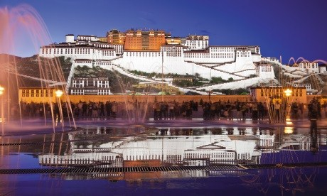 News-dalai-lama-potala-palace-lhasa-tibet-istock_000014268705medium