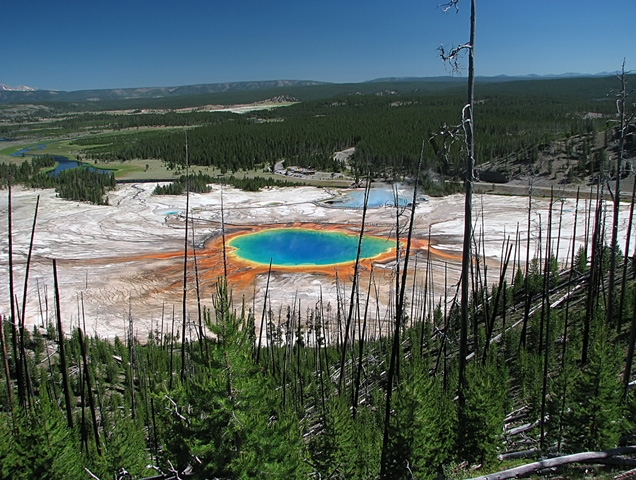 Lugares del Surrealismo en el mundo (35 fotos)  Resorte prismático magnífico - Parque Nacional de Yellowstone, Wyoming,