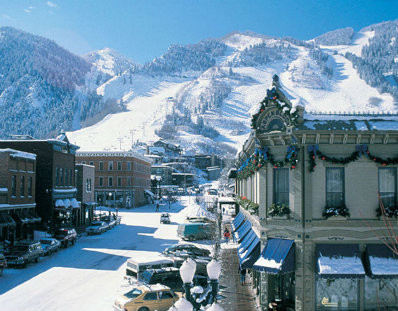 aspen-mountain-ski-resort-downtown