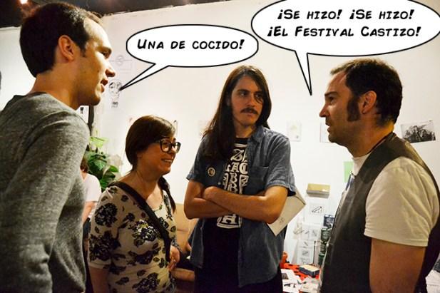 Jacinto Albusak conversando con algunos de los asistentes al Festival