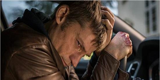 La película plantea un dilema moral a su protagonista.