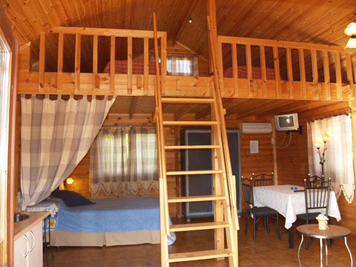 Casas rurales de madera con encanto entre viejos olivos - Casas rurales de madera ...
