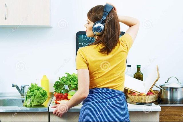 cocinar con musica
