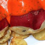 Pimientos rellenos de bacalao con salsa de piquillo