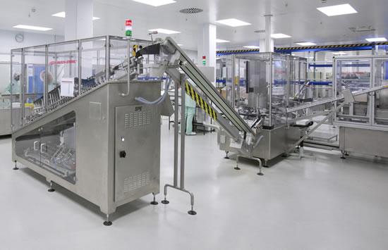 Velocidad de fabricación de comprimidos: Las máquinas para la producción farmacéutica son cada vez más eficientes. Con las nuevas instalaciones, los usuarios pueden casi duplicar la tirada de producto (Foto: Fette Compacting)