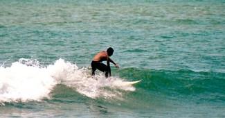 Máncora el destino surfer