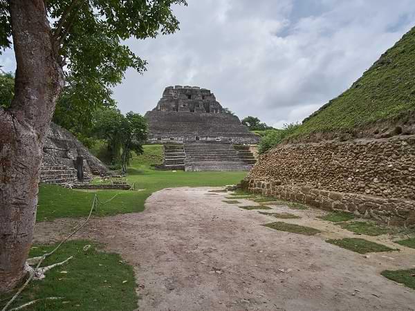 Ruinas de Xunantunich en Belice