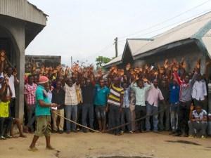 Bodo villagers  Bodo spill: London court blocks Shell oil deal Bodo 41 300x225