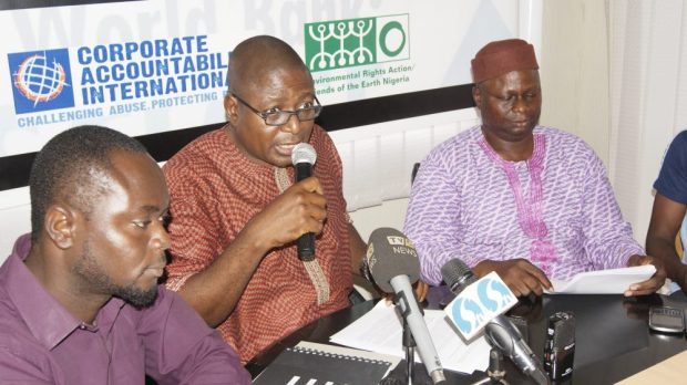 L- R: Abiodun Bakare, General Secretary, Lagos Chapter of Amalgamated Union of Public Corporations, Civil Service, Technica and Recreational Services Employees (AUPCTRE); Akinbode Oluwafemi, Deputy Director, Environmental Rights Action/Friends of the Earth Nigeria (ERA/FoEN); and Comrade Muali Subair, Vice President, South West Zone of AUPCTRE… at the media briefing in Lagos on Thursday November 26, 2015  Why Lagos should not privatise water, by ERA/FoEN DSC1068