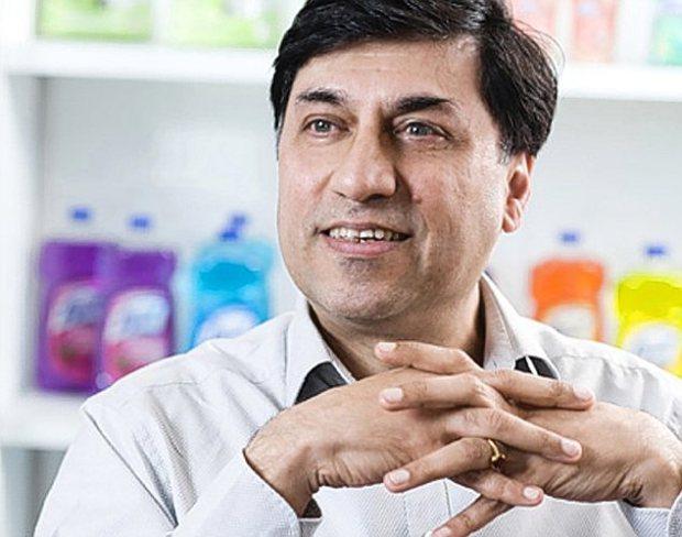 Global Chief Executive Officer RB (Reckitt Benckiser), Mr. Rakesh Kapoor. Photo credit: i.dailymail.co.uk