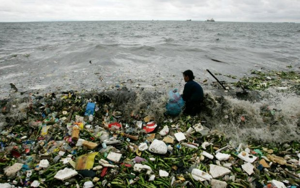 plastic  Marine litter: UN declares war on ocean plastic Litter