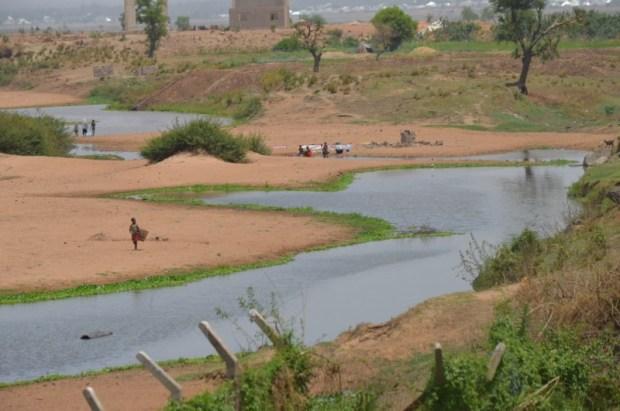 River Benue in Jimeta, Yola, Adamawa State  Nigeria, Cameroon asked to dialogue over Benue River flow Benue e1461715842119