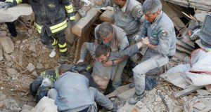 quake  Images: Devastating quake rattles central Italy Italy2 e1472098217857