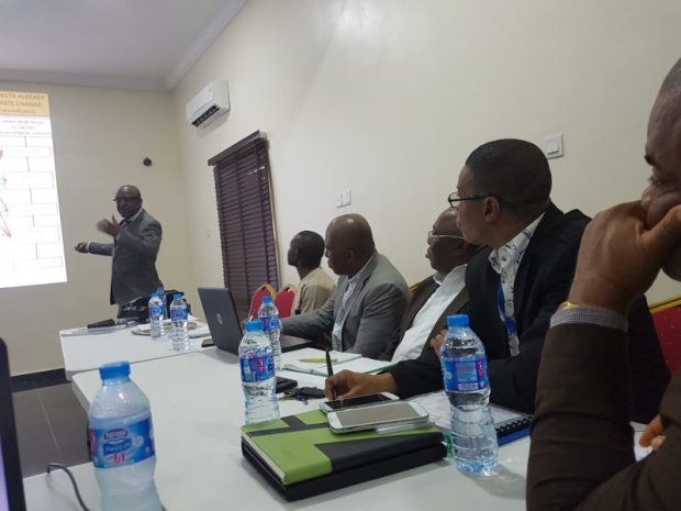 Lead consultant, Prof Hillary Inyang, presenting the Roadmap on Sustainable and Resilient Economic Development in Uyo, Akwa Ibom State, last week  Akwa Ibom receives climate resilience development blueprint Akwa Pix1 e1473603974116