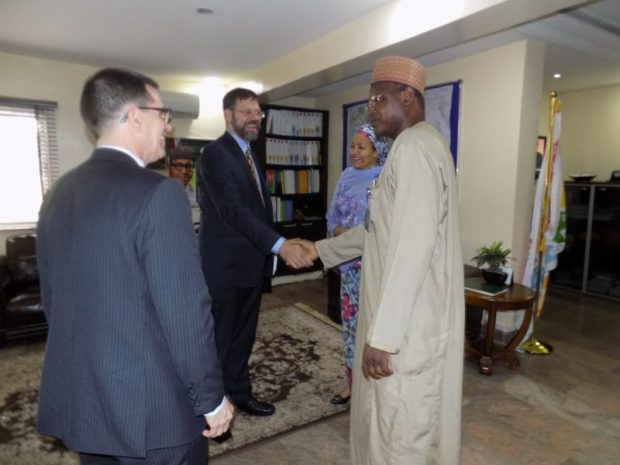 Dr Pershin in a handshake with Mallam Ibrahim Jibril, the Environment Minister of State, as Jibril and Environment Minister, Amina Mohammed, welcome the envoy to the ministry's head offices in Abuja  Images: US climate envoy, Pershing, in Nigeria Envoy1 e1473307564443