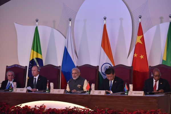 Right to left: South African President Jacob Zuma, Chinese President Xi Jinping, Indian Prime Minister Narendra Modi, Russian President Vladimir Putin and Brazilian President Michel Temer, at the BRICS Summit in Goa, India on 16 October 2016. Photo credit: BRICS2016