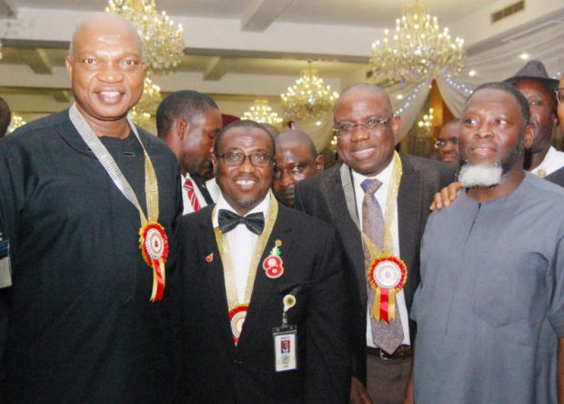 Petroleum technologists honour Shell boss PETAN1 e1481830315698