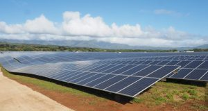 Tesla-solar-Hawaii  World energy system said to be offtrack to meet Paris accord goals Hawaii e1489335084321
