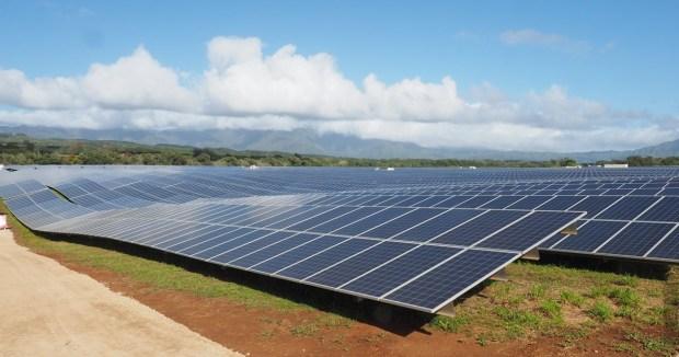 Tesla-solar-Hawaii  Ukrainians clamour rapid transition to renewable energy Hawaii 1024x538