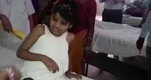 girl-india-monkey