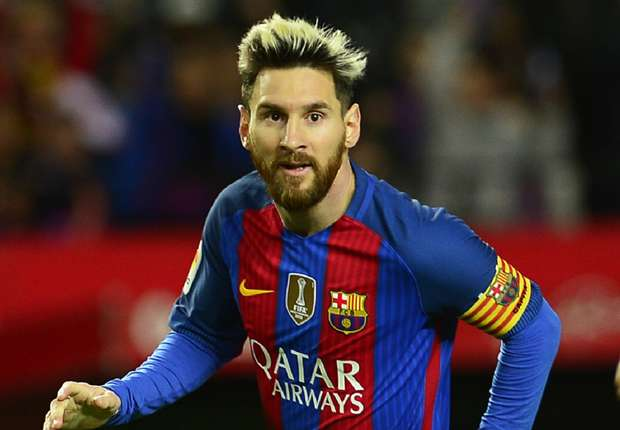 Lionel Messi  Messi signs new deal as Wimbledon hots up Messi
