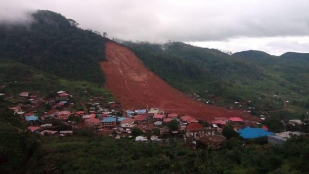Sierra Leone landslide  Sierra Leone honours the dead, moves to stabilise landslide site Landslide