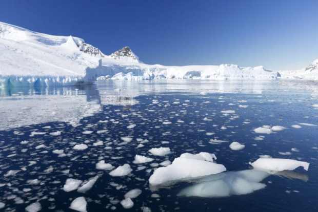 Melting Antarctic ice   Sea levels rise as tonnes of Antarctic ice melts Melting ice e1529003864611