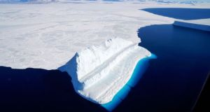Antarctic ice sheet  Antarctica ice loss poses upcoming sea level risk Ice sheet