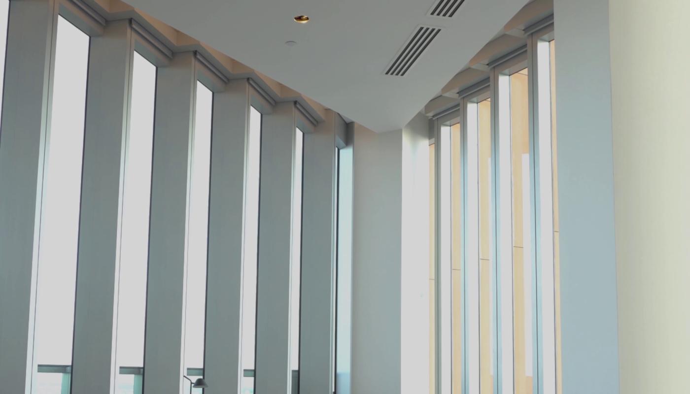 manhattan-loft-gardens-blinds-closed