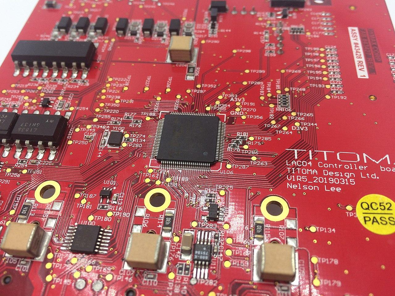 Vers des circuits électroniques plus sobres en énergie