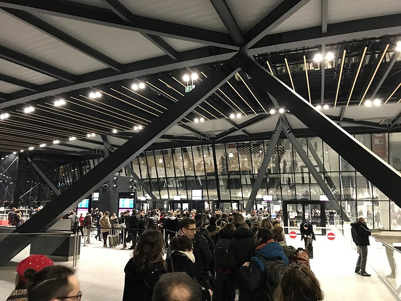 Vinci Airports veut compenser intégralement les émissions de CO2 des aéroports de Lyon