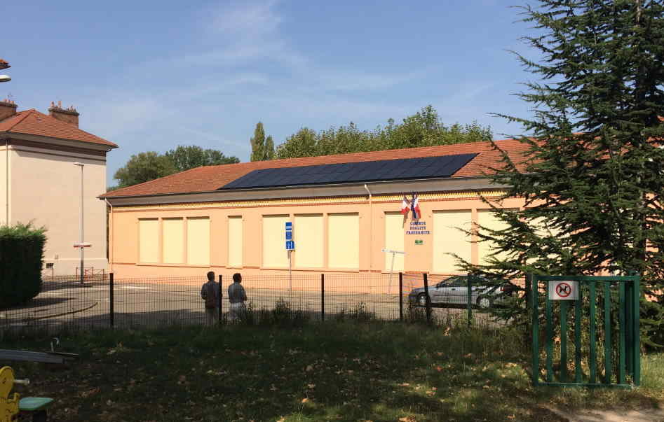 L'école Gauguin, à Grigny ( photo Toits en Transition)