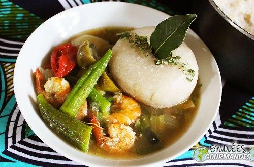 Fufu/Foufou de gari et sa sauce de gombos aux crevettes