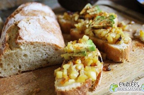 Mon pain au poivre blanc de Penja, poêlée de pommes golden avocat et piment kankan