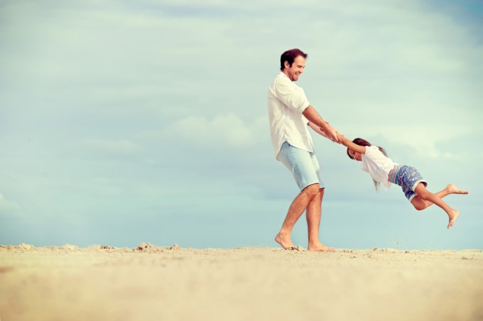 father daughter swing beach dads taught enza beautiful essentials