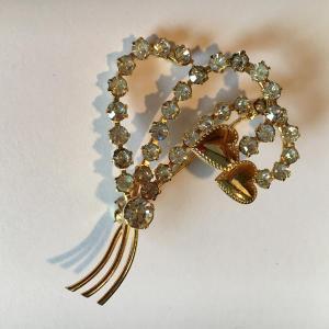 vintage hearts brooch - secondhand marketplace