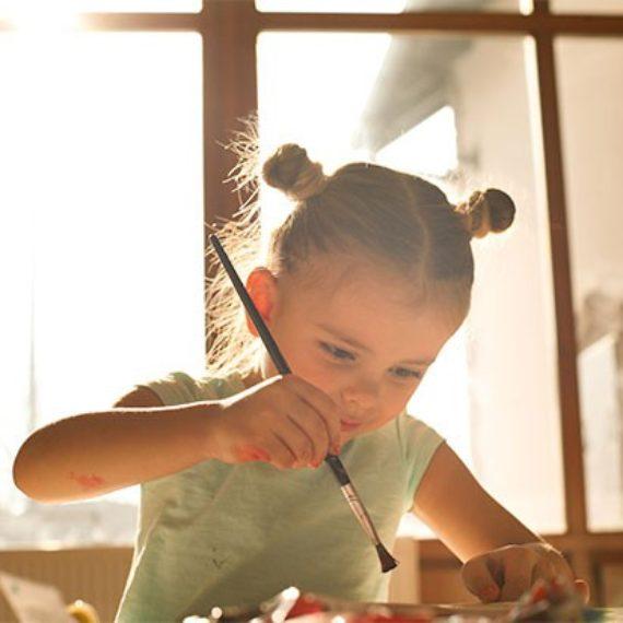 Como guardar os desenhos das crianças: 3 soluções