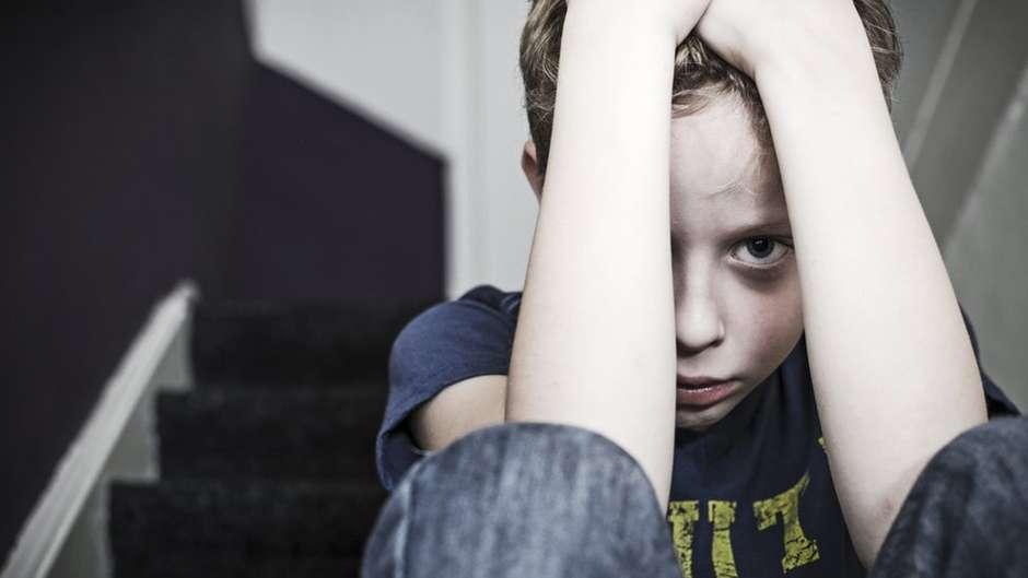O que é o estresse tóxico – e como ele pode afetar a saúde e o desenvolvimento das crianças