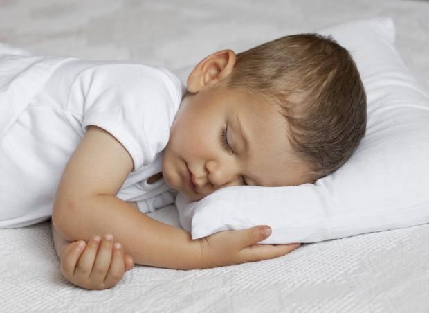 Seu filho dorme tarde todos os dias?