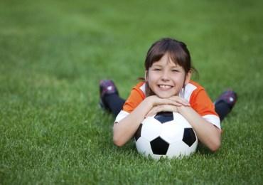 Crianças e adolescentes estão praticando menos exercícios físicos do que deveriam, revela estudo