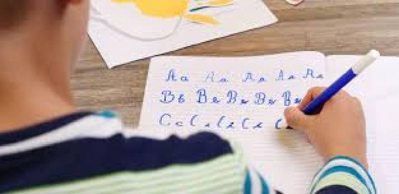 Letra cursiva para crianças no primeiro e segundo ano é indicado?