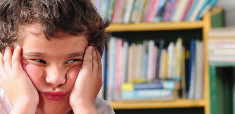 Crianças que não se saem bem na escola têm maior risco de depressão, revela estudo