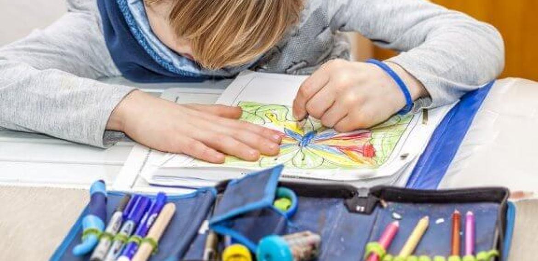 Como a lateralidade se desenvolve nas crianças?