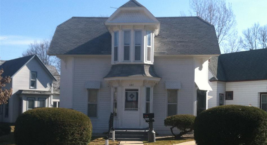 601 North Elm Street, Cresco, IA