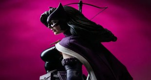 Huntress DC Comics Statue by Sideshow Collectibles Premium Format