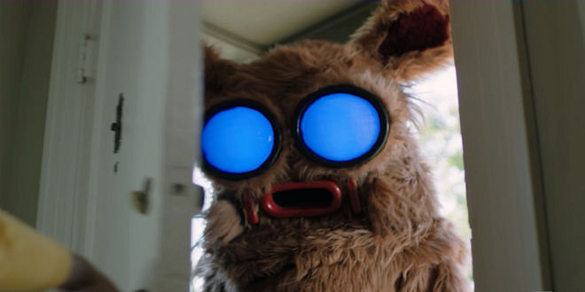 into-the-dark-serie-hulu - EpicHeroes Movie Trailers Toys TV