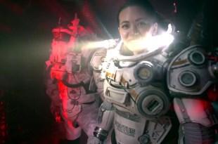 Underwater Movie Bluray / DVD - Bonus Clip - Behind The Scenes Movie Set - w/ Kristen Stewart