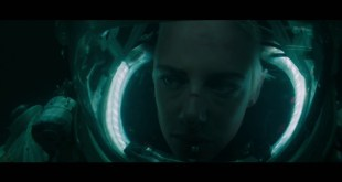 Underwater Movie Bluray / DVD - Bonus Clip Dangerous - w/ Kristen Stewart - 20th Century Fox
