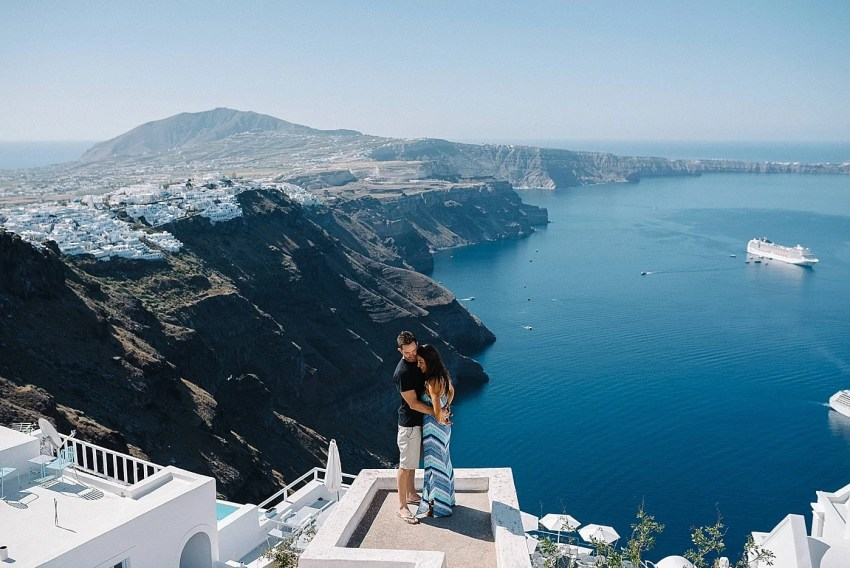 santorini-engagement-photography-elopement-wedding-photographer_0012